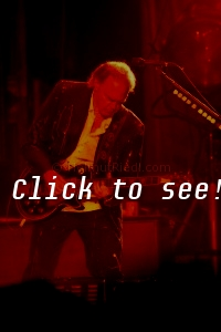 NEIL YOUNG_LDW_(c)_HELMUT_RIEDL_ 17.08.2008 21-066